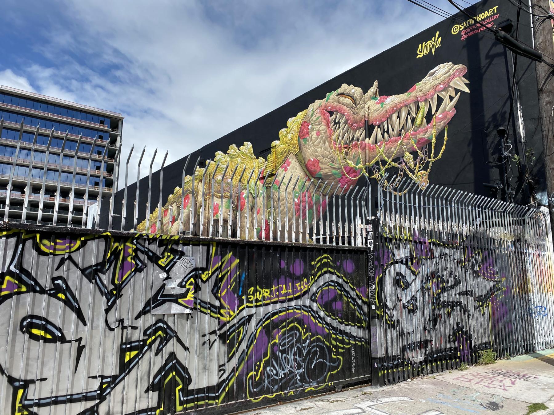 Saturno Street Art
