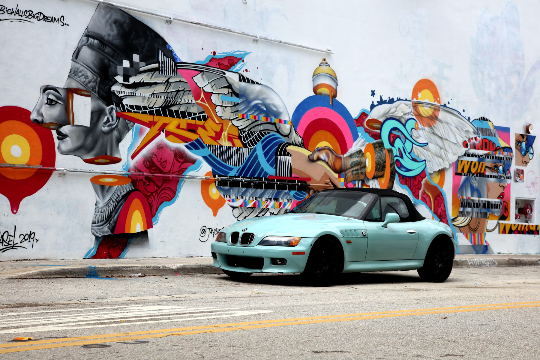 BMW X4 with Ubiera Studio and Jay Kaes Street Art