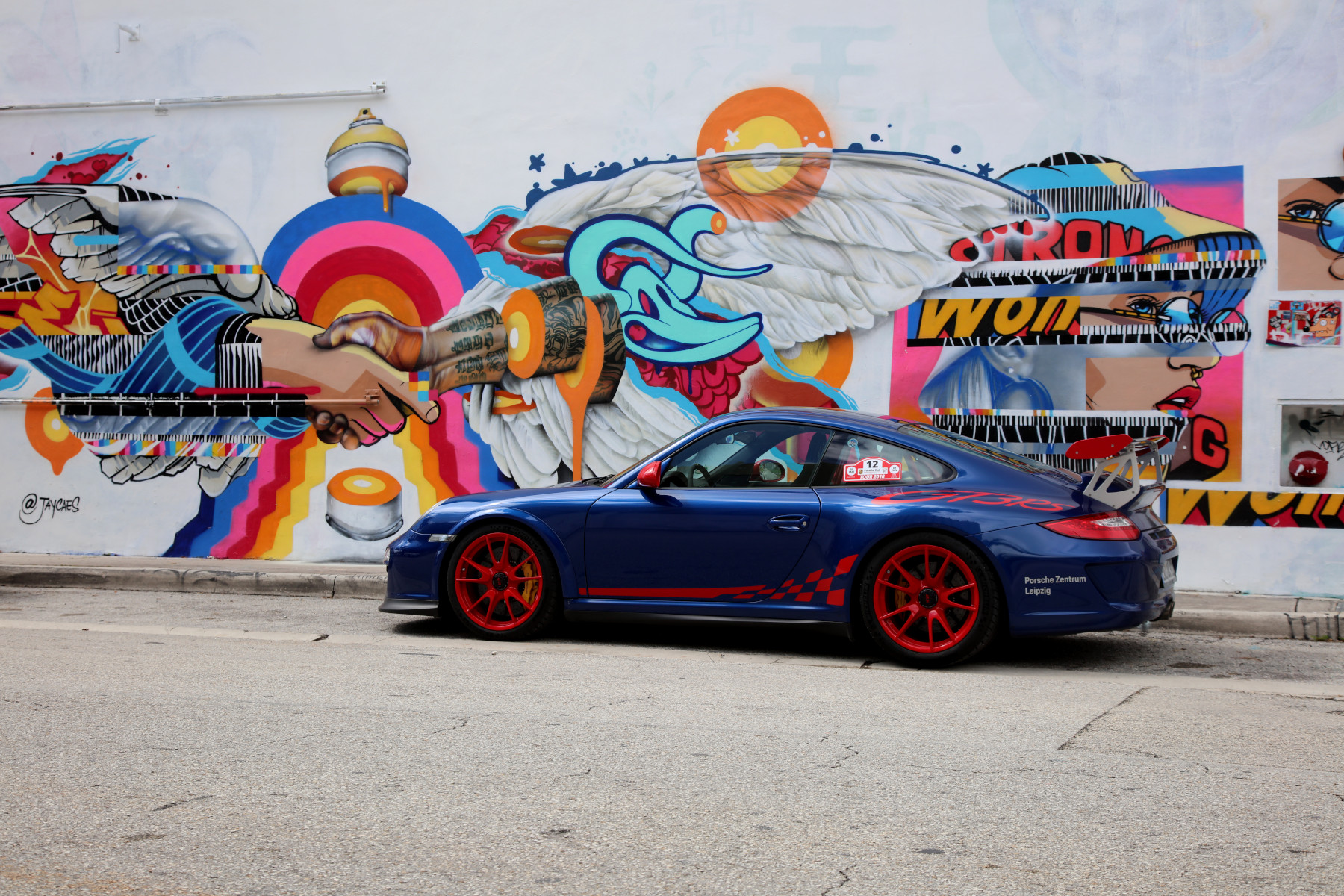 Blue GT3 RS with Ubiera Studio and Jay Kaes Street Art